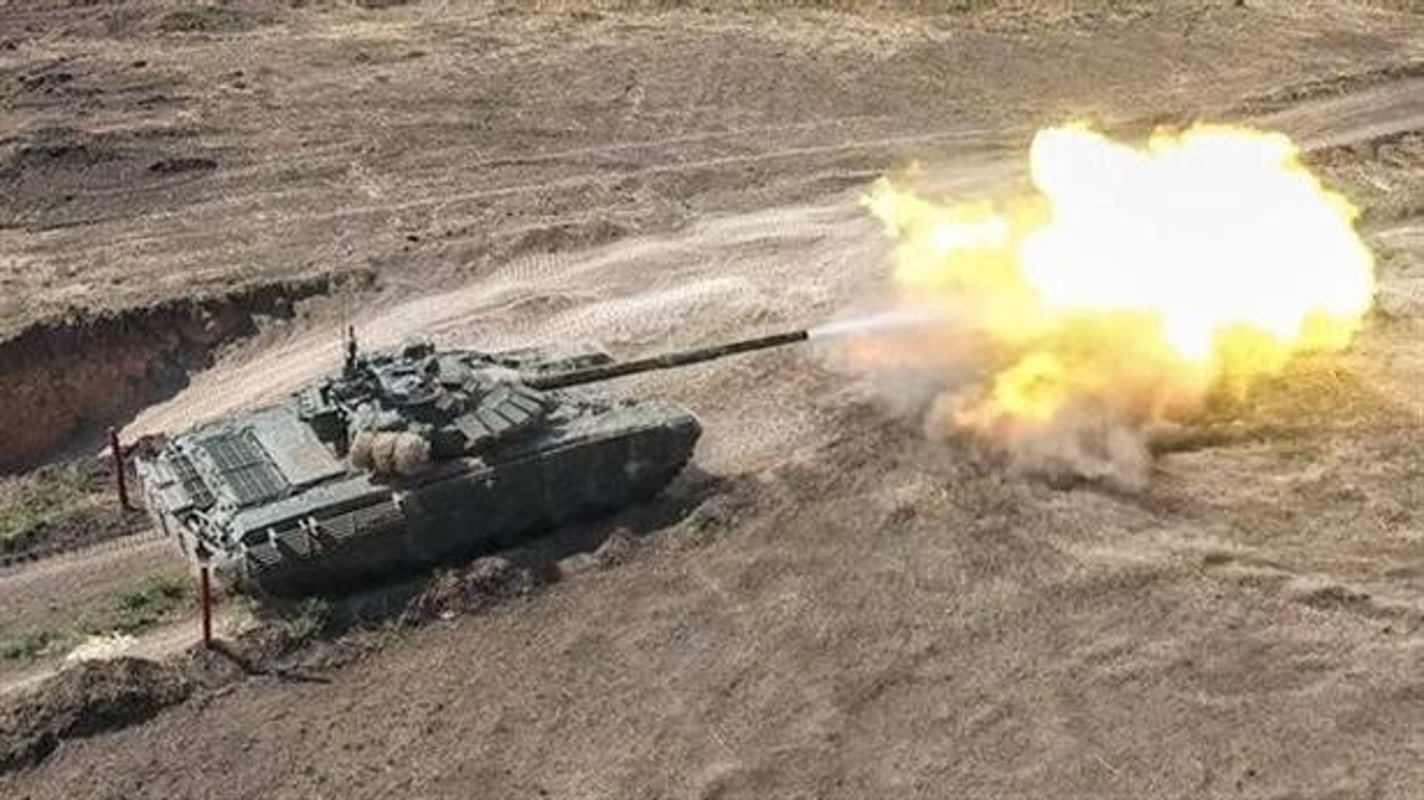 Nga bat ngo dieu 30 'sieu tang' T-72B3M ap sat bien gioi Afghanistan-Hinh-3