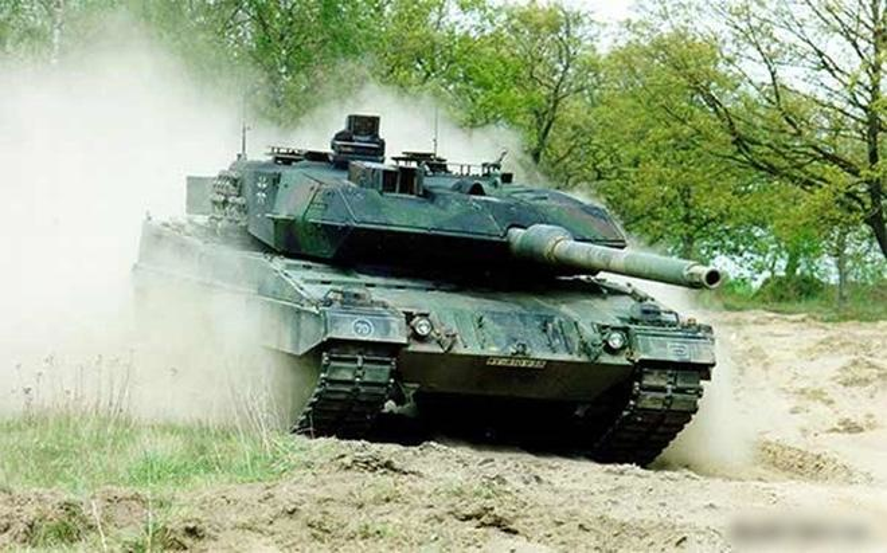 Phat ban lap ky luc cua Leopard 2A6 khien xe tang Nga
