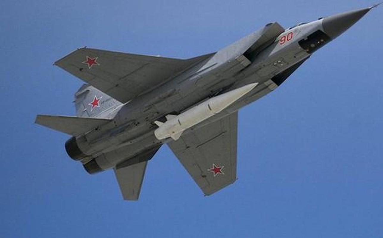 MiG-31 duoc trang bi ten lua bi an manh gap boi Kh-47M2 Kinzhal?-Hinh-10