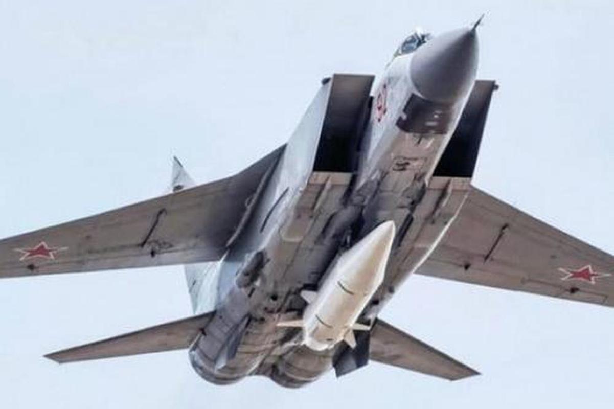 MiG-31 duoc trang bi ten lua bi an manh gap boi Kh-47M2 Kinzhal?-Hinh-11