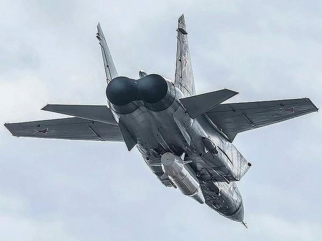 MiG-31 duoc trang bi ten lua bi an manh gap boi Kh-47M2 Kinzhal?-Hinh-12