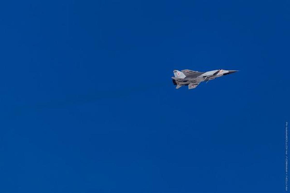 MiG-31 duoc trang bi ten lua bi an manh gap boi Kh-47M2 Kinzhal?-Hinh-14