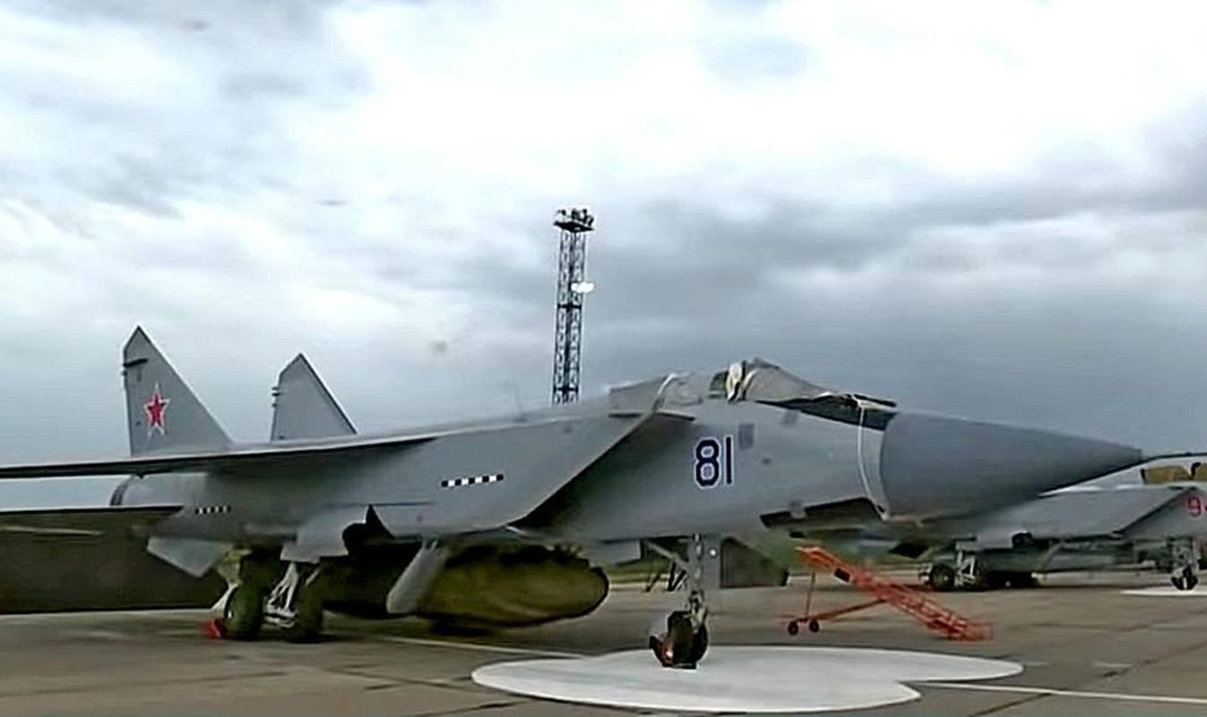 MiG-31 duoc trang bi ten lua bi an manh gap boi Kh-47M2 Kinzhal?