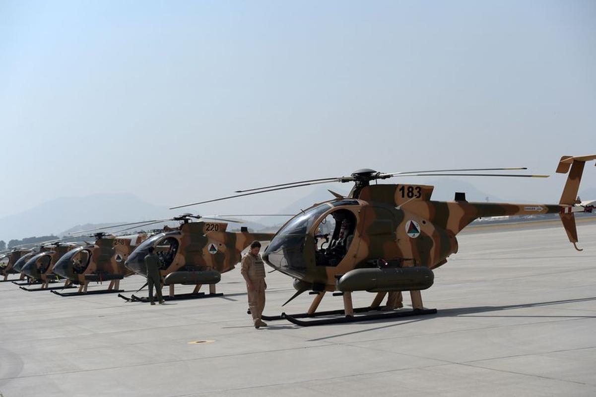 Phi cong Afghanistsan di tan sang Uzbekistan duoc di My!-Hinh-10