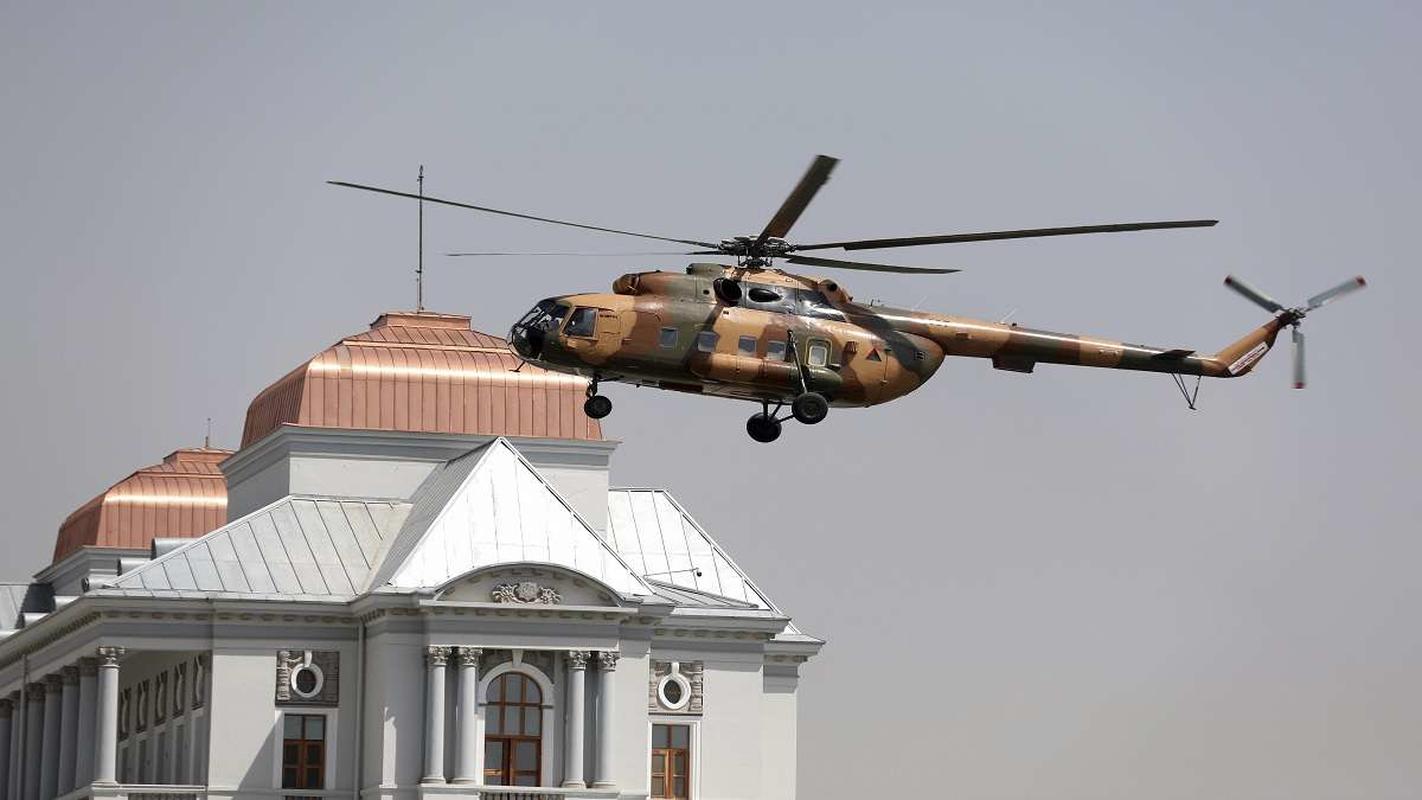 Phi cong Afghanistsan di tan sang Uzbekistan duoc di My!-Hinh-11