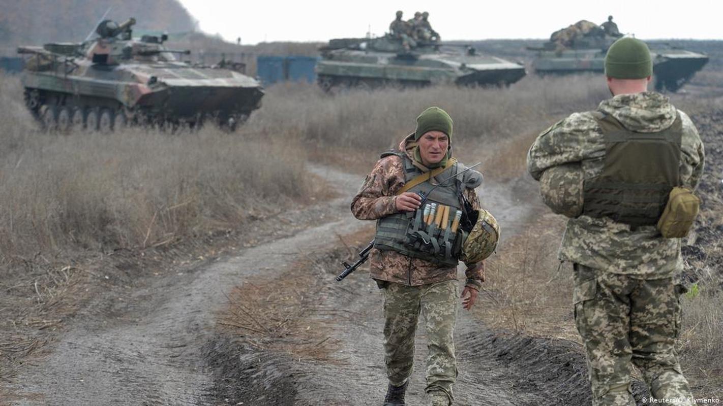 Ukraine thiet hai nang o mien Dong, phao binh Donetsk qua manh!-Hinh-10