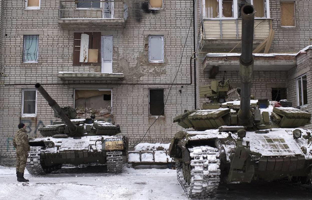 Ukraine thiet hai nang o mien Dong, phao binh Donetsk qua manh!-Hinh-3