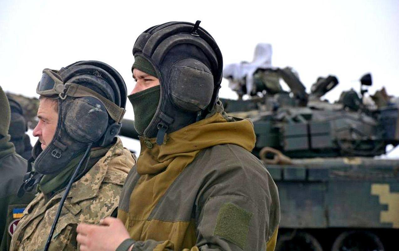 Ukraine thiet hai nang o mien Dong, phao binh Donetsk qua manh!-Hinh-8