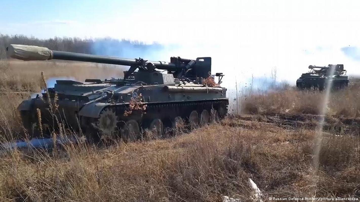 Ukraine thiet hai nang o mien Dong, phao binh Donetsk qua manh!