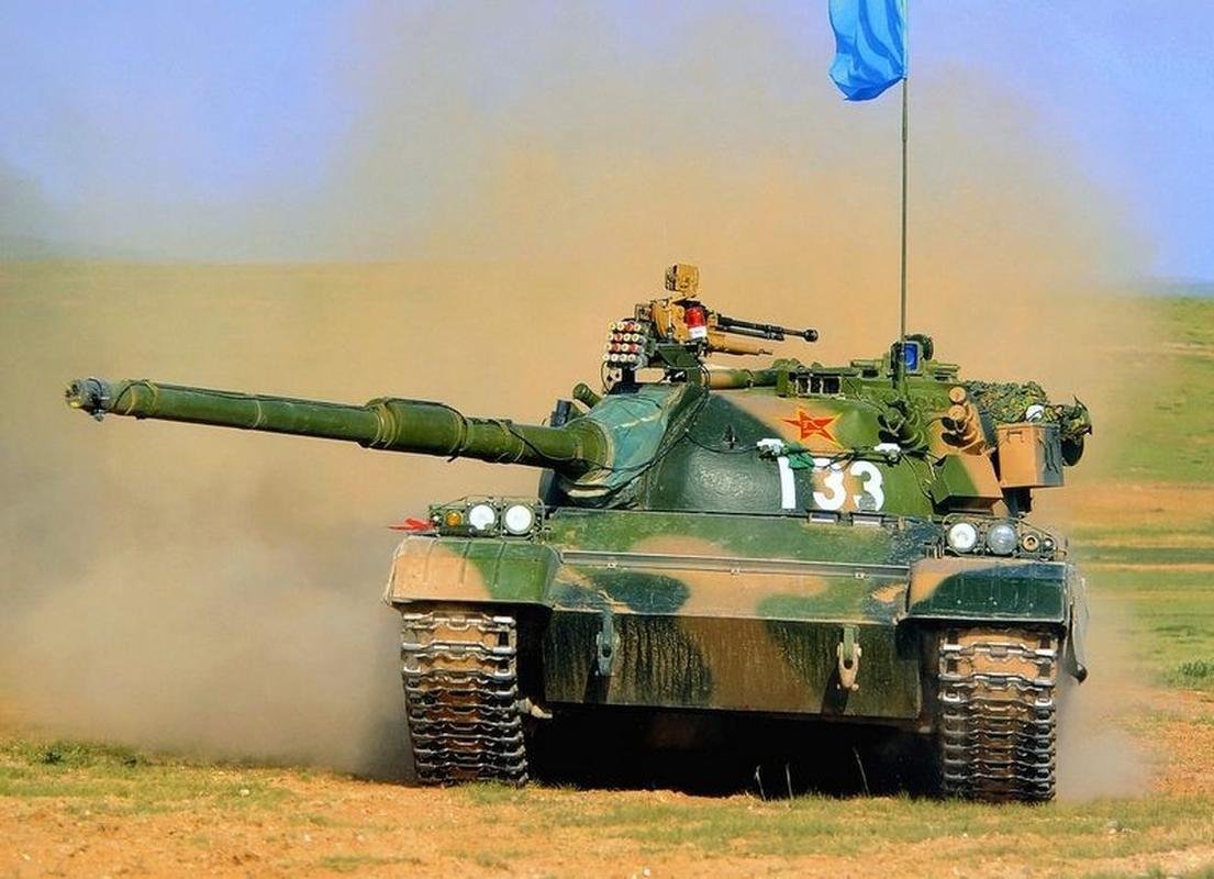 Xe tang Type 88 Trung Quoc tap tran rung chuyen sa mac Gobi-Hinh-10
