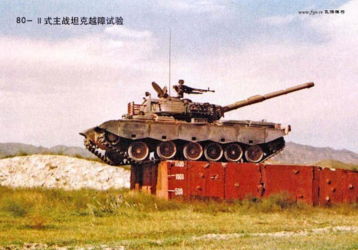 Xe tang Type 88 Trung Quoc tap tran rung chuyen sa mac Gobi-Hinh-12
