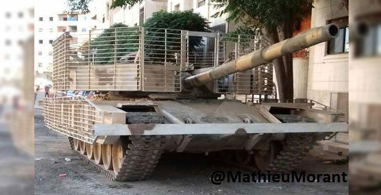 'Mai che' tren T-72B3 Nga vo tac dung truoc ten lua Javelin Ukraine-Hinh-11