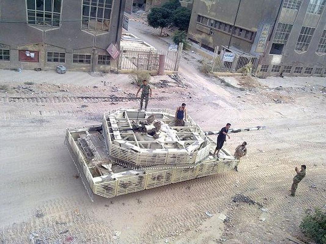 'Mai che' tren T-72B3 Nga vo tac dung truoc ten lua Javelin Ukraine-Hinh-8