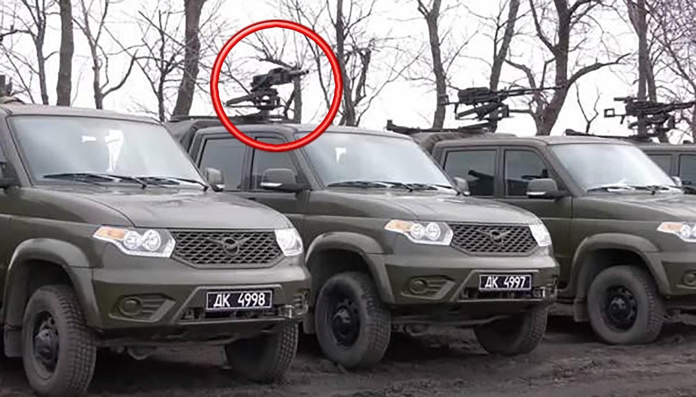 Dan quan mien Dong pha huy xe tai quan doi Ukraine bang ten lua chong tang-Hinh-14