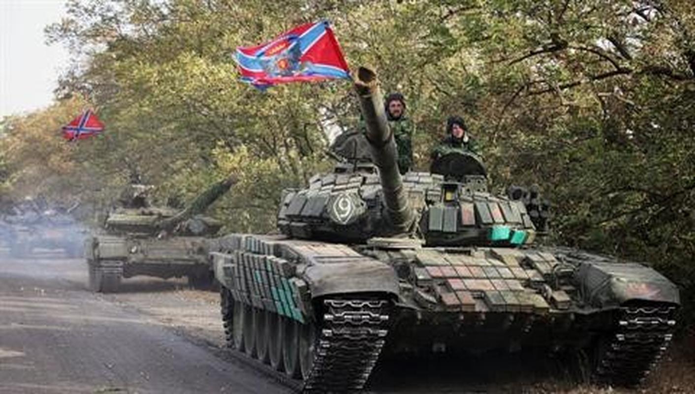 Dan quan mien Dong pha huy xe tai quan doi Ukraine bang ten lua chong tang-Hinh-15