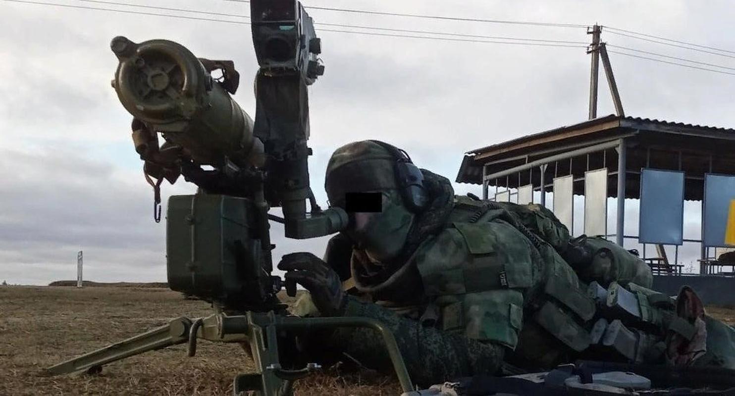 Dan quan mien Dong pha huy xe tai quan doi Ukraine bang ten lua chong tang-Hinh-24