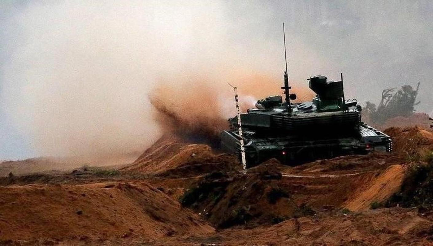 Nga 'chuan hoa' xe tang T-90M, diem bao bat loi cho My va NATO-Hinh-15
