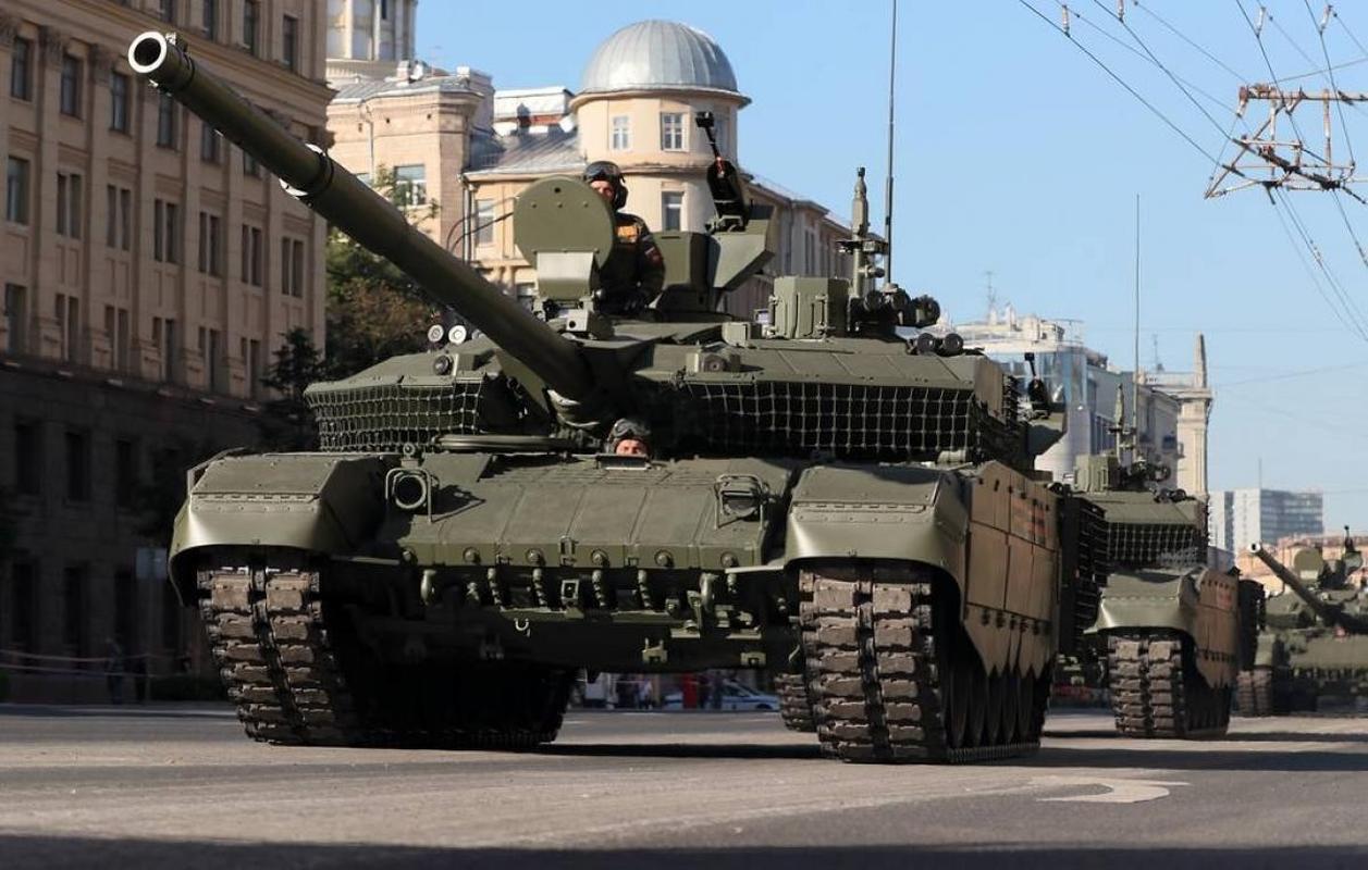 Nga 'chuan hoa' xe tang T-90M, diem bao bat loi cho My va NATO-Hinh-30