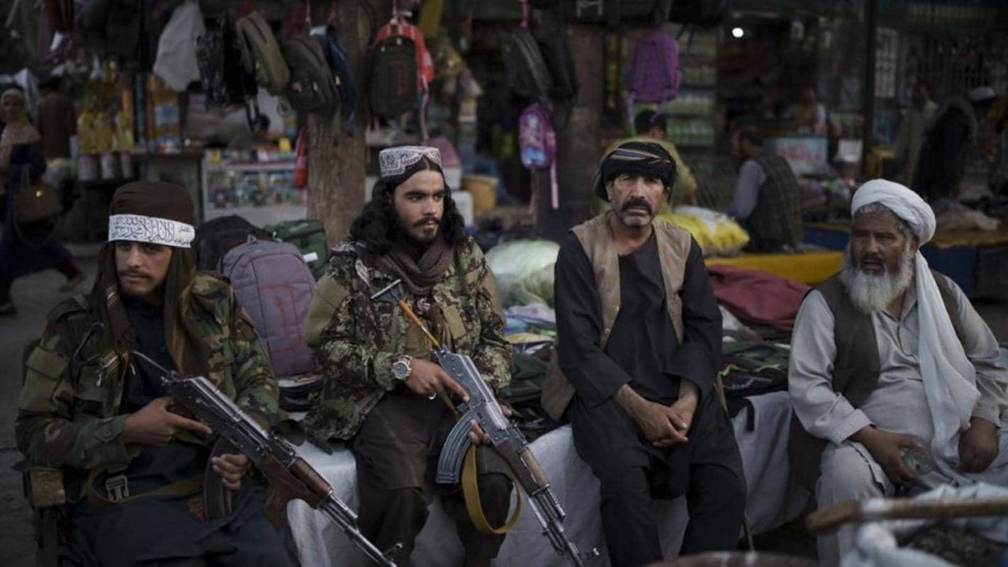 Pho thu linh Taliban bac tin don bi ban chet vi tranh gianh quyen luc-Hinh-12