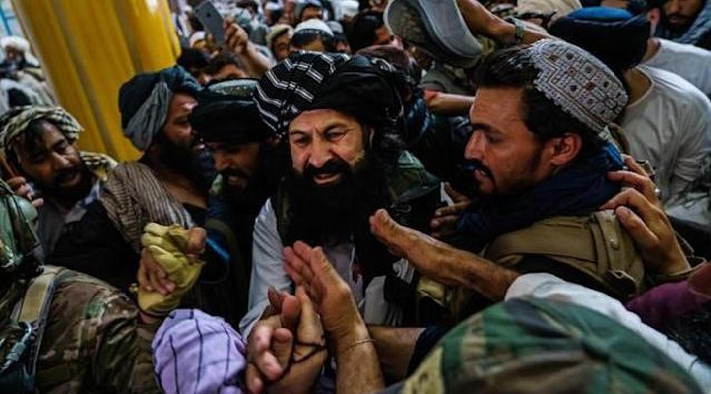 Pho thu linh Taliban bac tin don bi ban chet vi tranh gianh quyen luc-Hinh-8