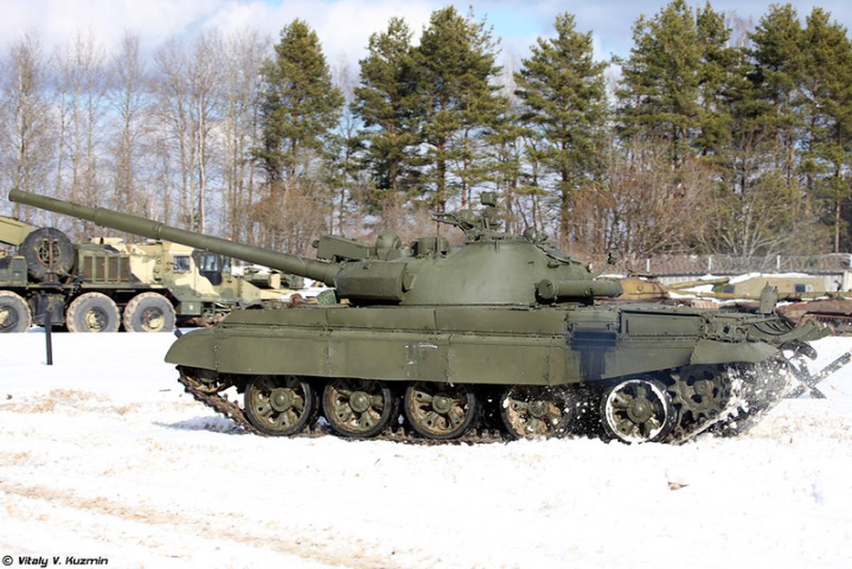 Xe tang chu luc T-62 dang lam gi trong bien che quan doi Nga?-Hinh-12