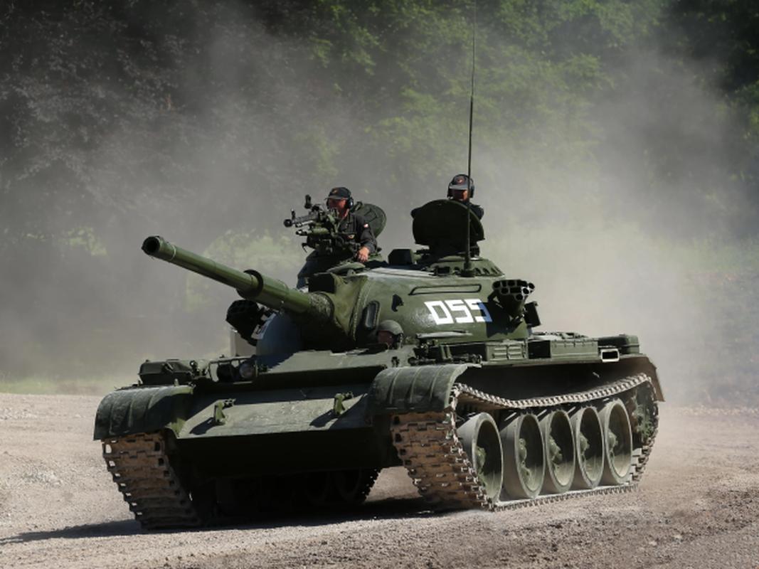 Xe tang chu luc T-62 dang lam gi trong bien che quan doi Nga?-Hinh-13