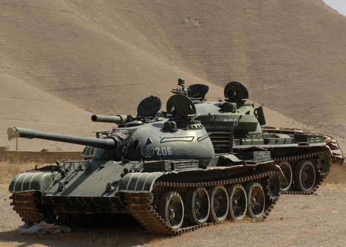 Xe tang chu luc T-62 dang lam gi trong bien che quan doi Nga?-Hinh-2