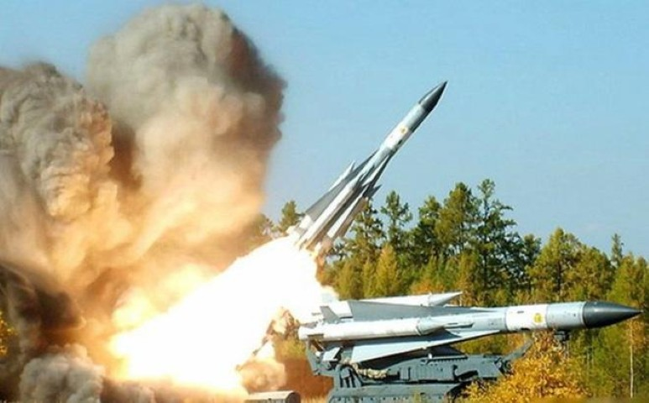 S-200 Syria lan dau 'bat song' F-35 Israel ben kia bien gioi-Hinh-12