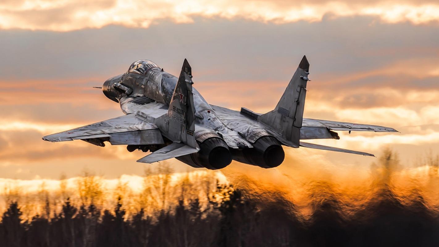 Moscow gui cung luc 24 tiem kich khung toi Crimea ran mat Kiev-Hinh-7