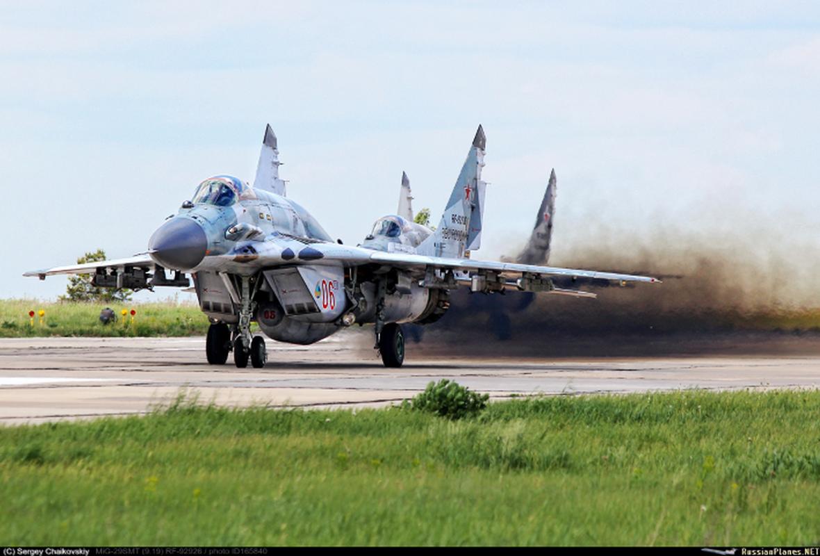 Moscow gui cung luc 24 tiem kich khung toi Crimea ran mat Kiev-Hinh-9
