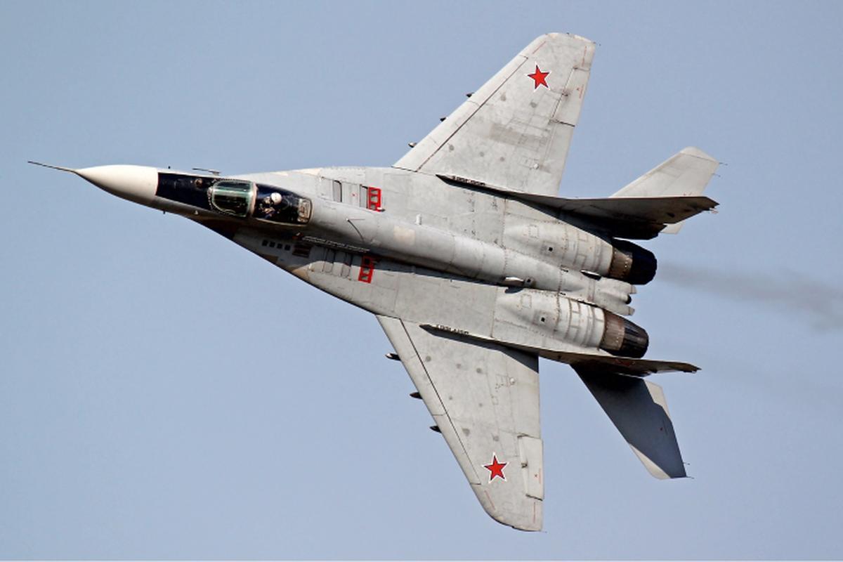 Moscow gui cung luc 24 tiem kich khung toi Crimea ran mat Kiev