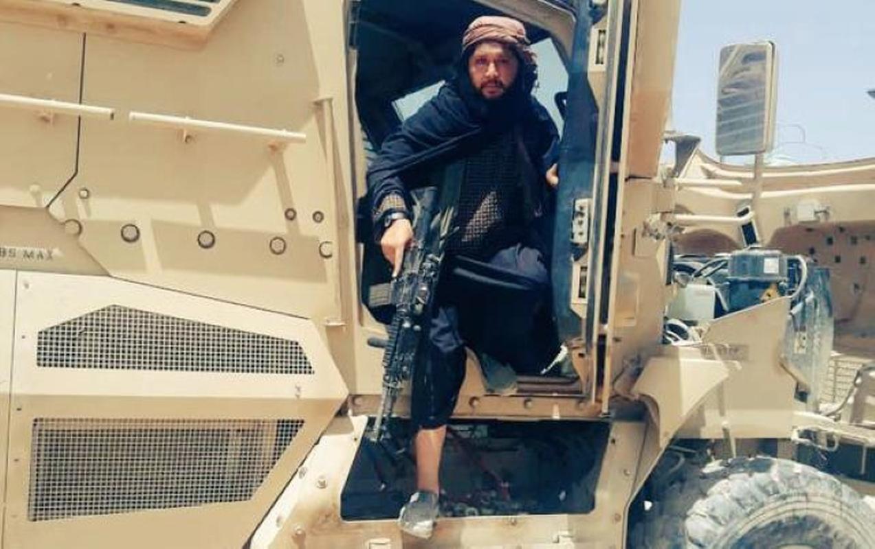 My da 'trao vao tay' Taliban loai xe boc thep khang min tot nhat cua minh-Hinh-12