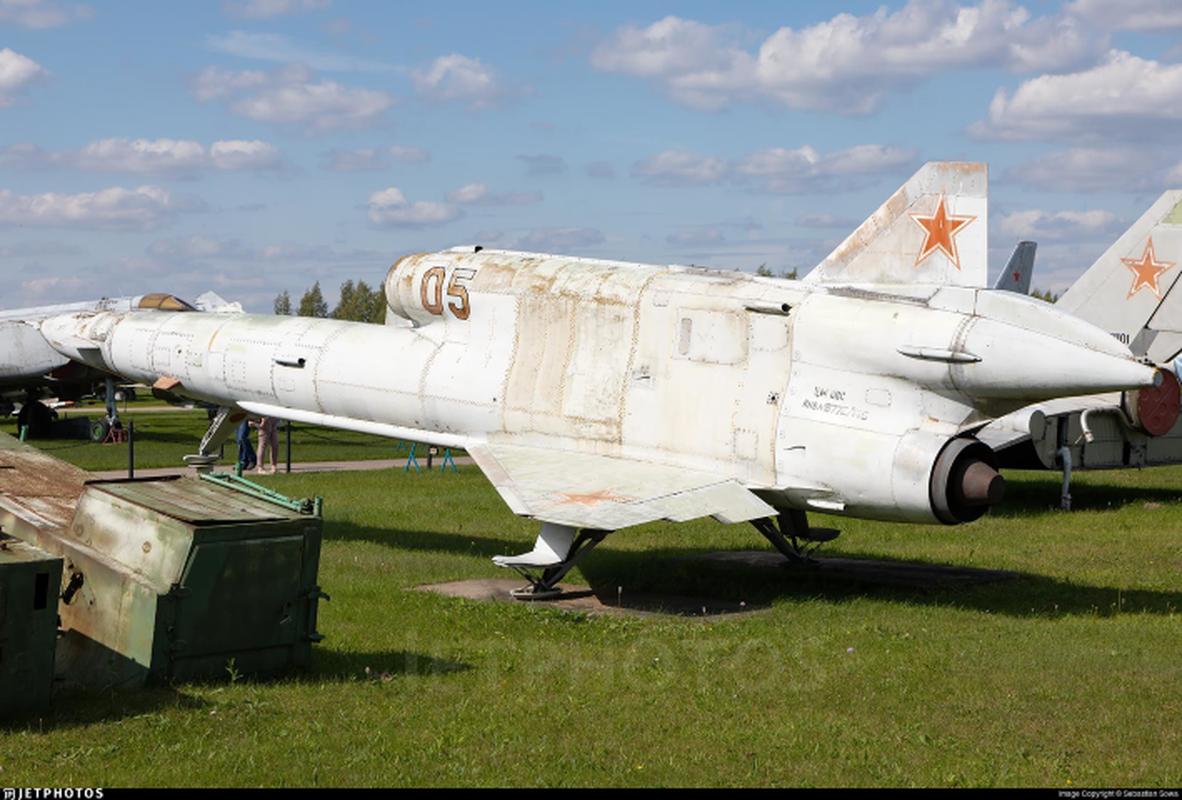 Vu khi ky la cua Ukraine xuat hien trong cuoc tap tran cung NATO-Hinh-12