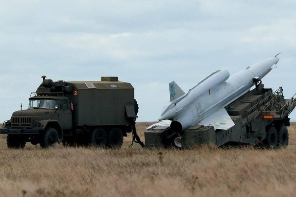 Vu khi ky la cua Ukraine xuat hien trong cuoc tap tran cung NATO-Hinh-13