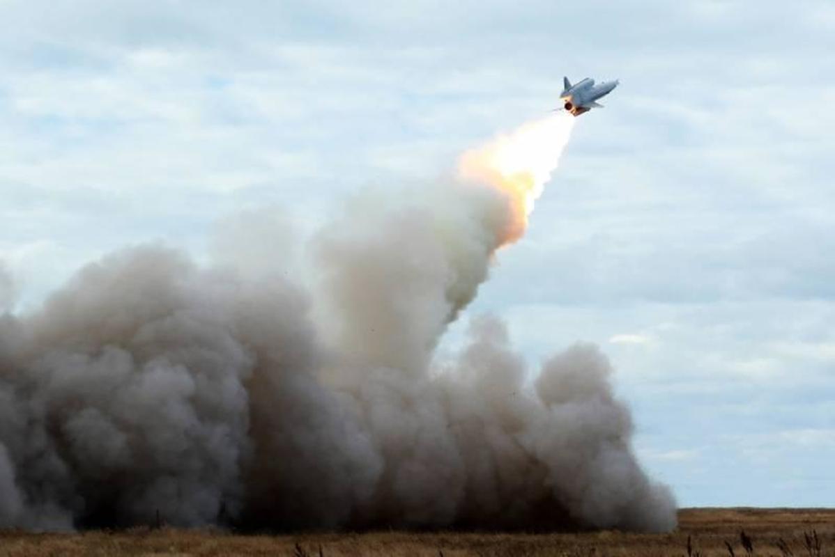 Vu khi ky la cua Ukraine xuat hien trong cuoc tap tran cung NATO-Hinh-14
