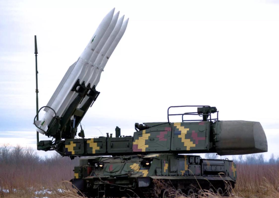 Vu khi ky la cua Ukraine xuat hien trong cuoc tap tran cung NATO-Hinh-2
