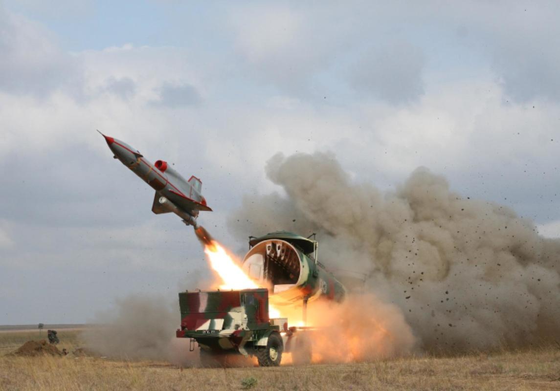 Vu khi ky la cua Ukraine xuat hien trong cuoc tap tran cung NATO-Hinh-6