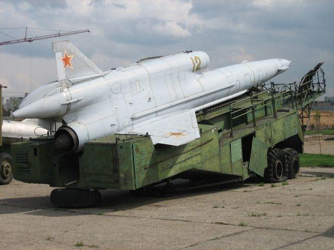 Vu khi ky la cua Ukraine xuat hien trong cuoc tap tran cung NATO-Hinh-8