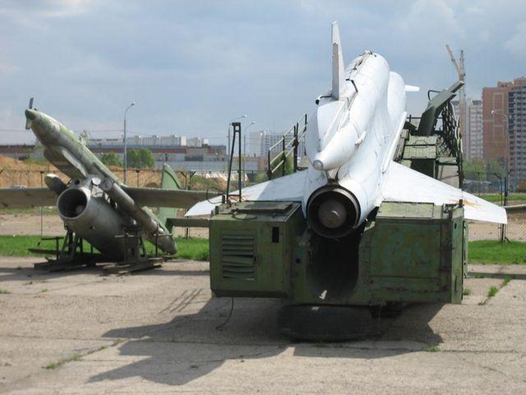 Vu khi ky la cua Ukraine xuat hien trong cuoc tap tran cung NATO-Hinh-9
