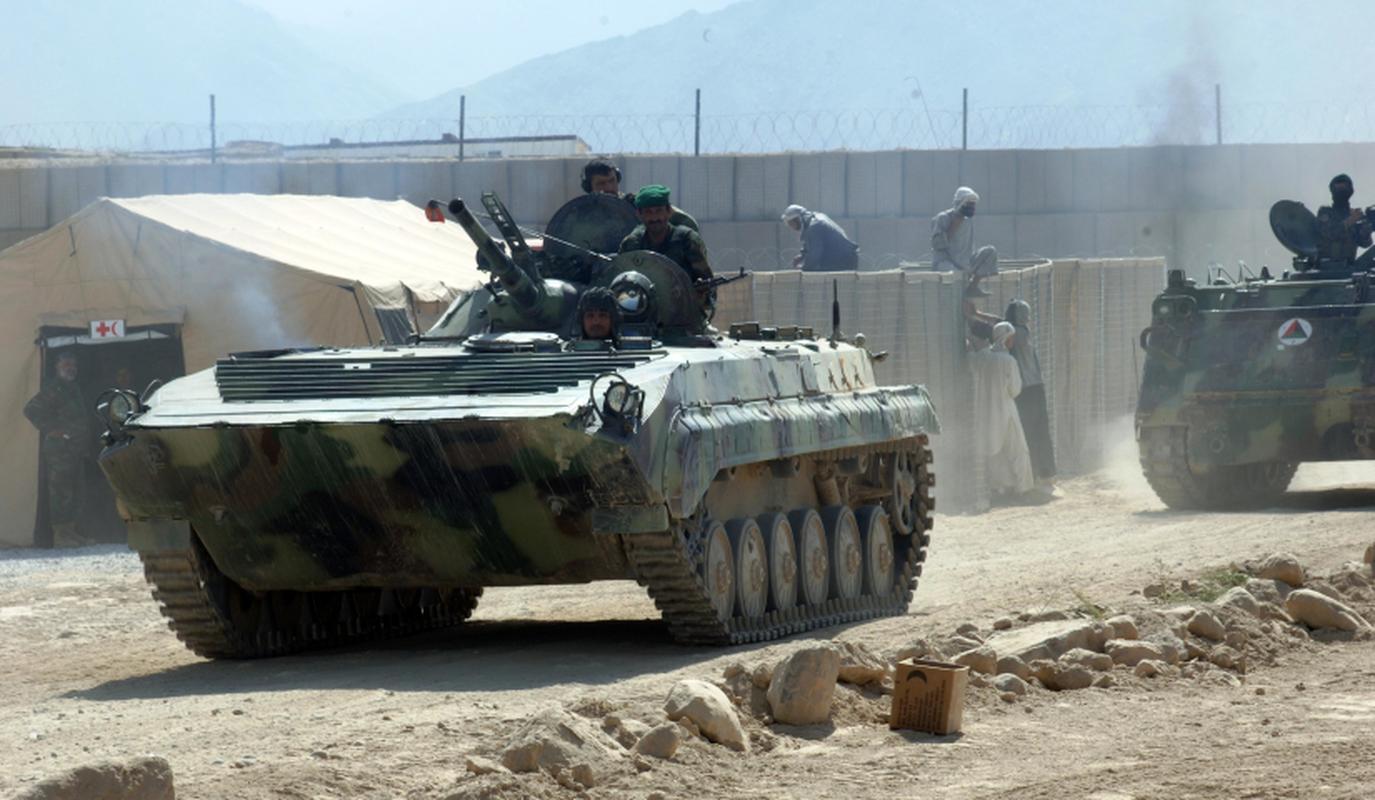 Xe chien dau bo binh huyen thoai Lien Xo trong tay phe khang chien Afghanistan-Hinh-2