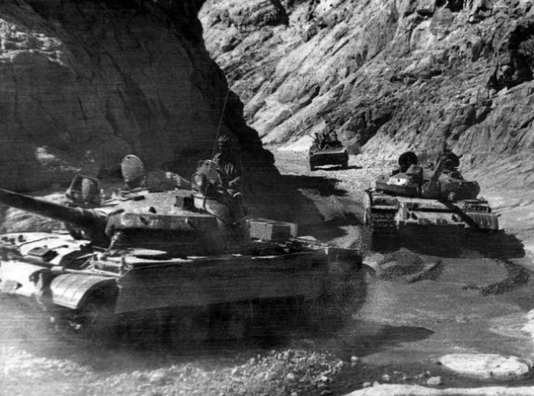 Xe chien dau bo binh huyen thoai Lien Xo trong tay phe khang chien Afghanistan-Hinh-5