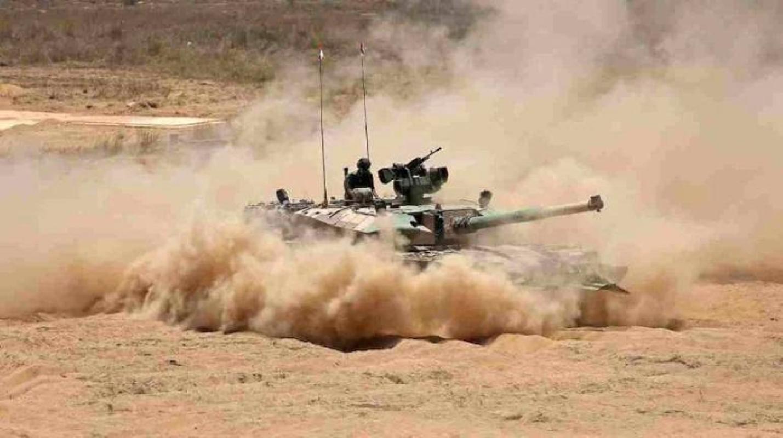 Dong xe tang noi dia An Do dat hon ca T-90 va M1A2 Abram-Hinh-13