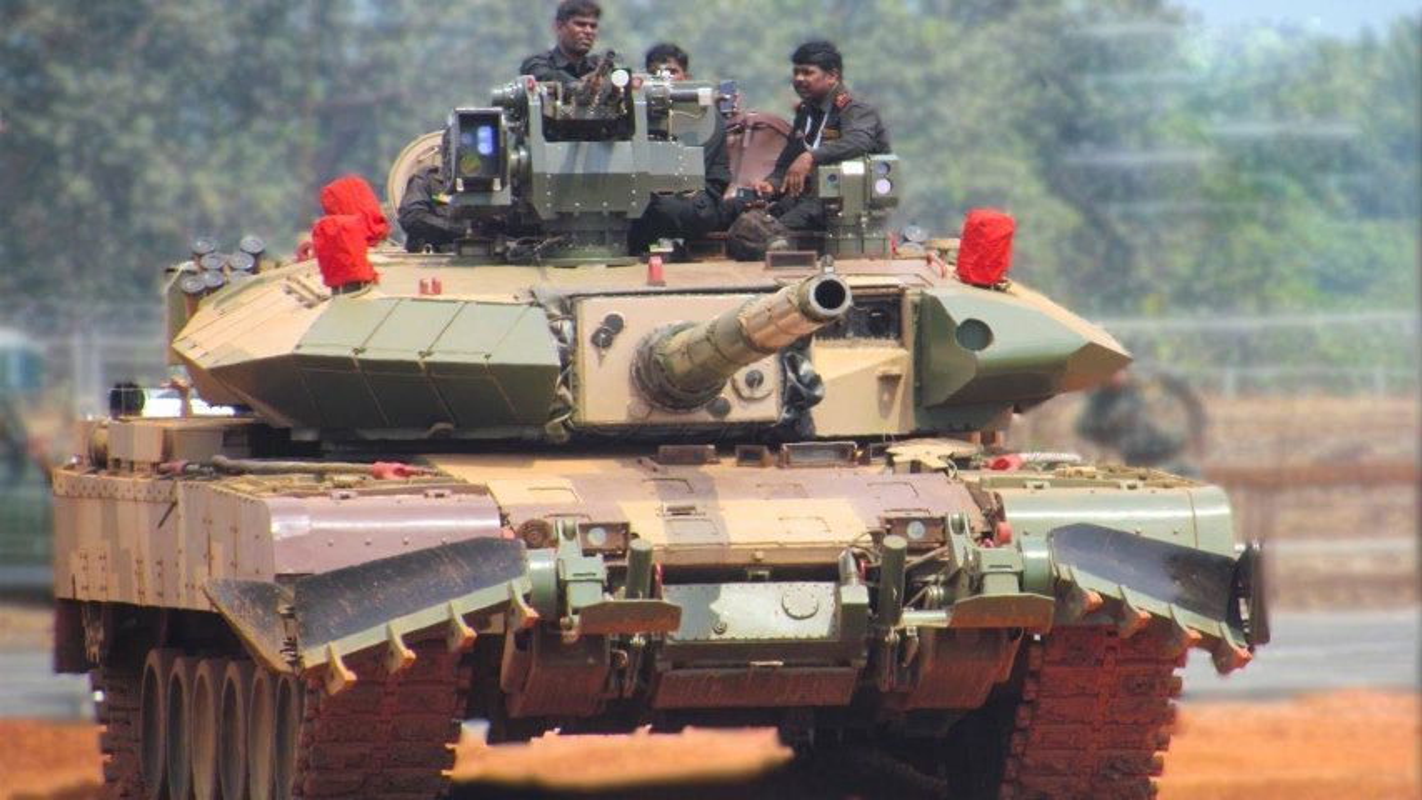 Dong xe tang noi dia An Do dat hon ca T-90 va M1A2 Abram-Hinh-14