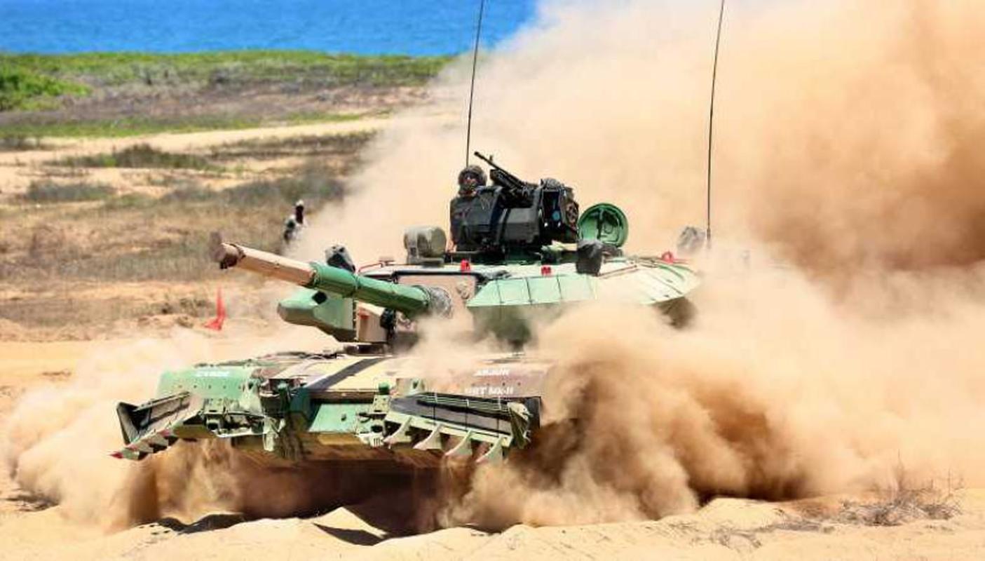 Dong xe tang noi dia An Do dat hon ca T-90 va M1A2 Abram-Hinh-16