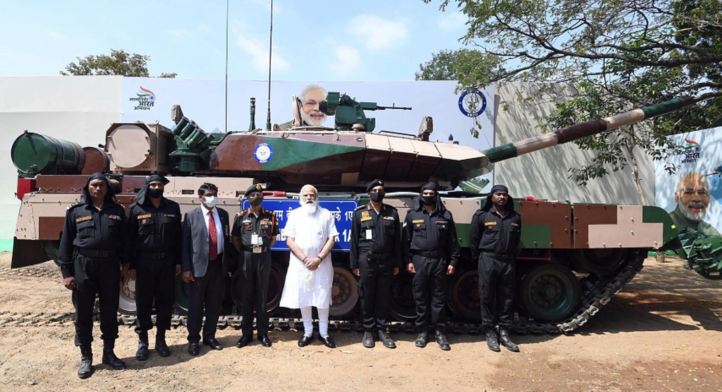 Dong xe tang noi dia An Do dat hon ca T-90 va M1A2 Abram-Hinh-4
