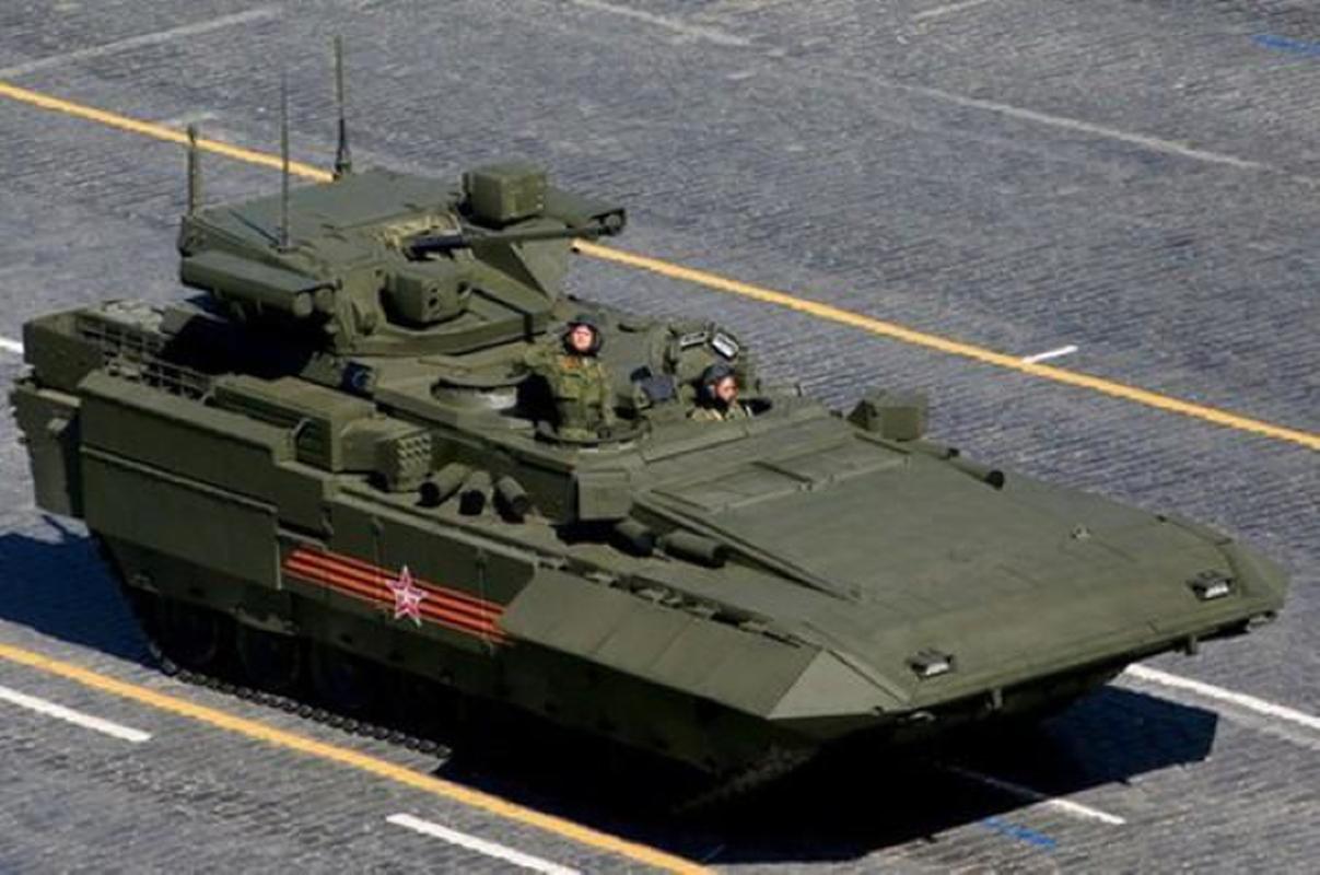 Nga ra mat thiet giap chi huy sieu doc dao tren khung gam Armata-Hinh-11