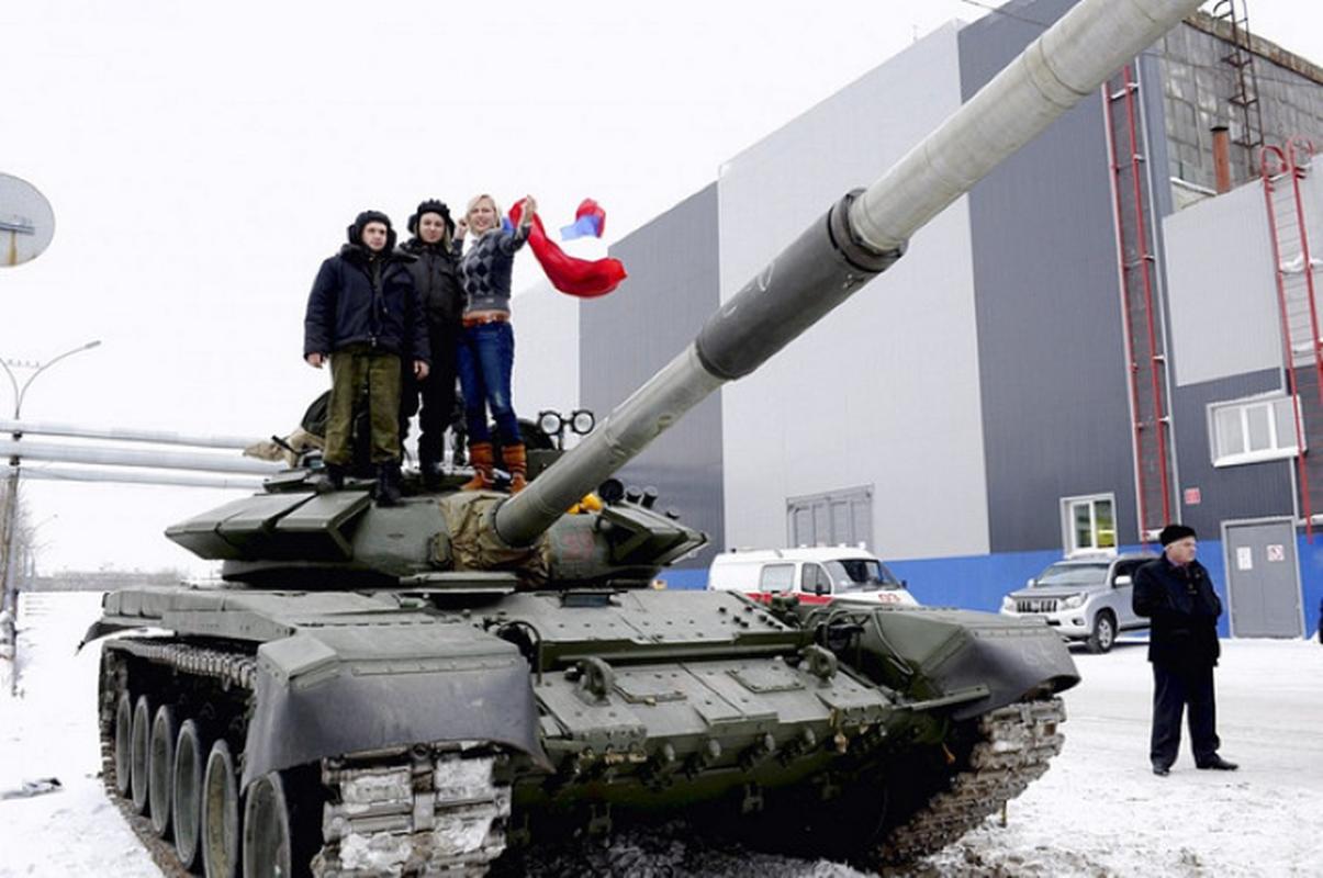 Xe tang chu luc T-72B3: Khong hien dai nhat, nhung thuc dung!-Hinh-2