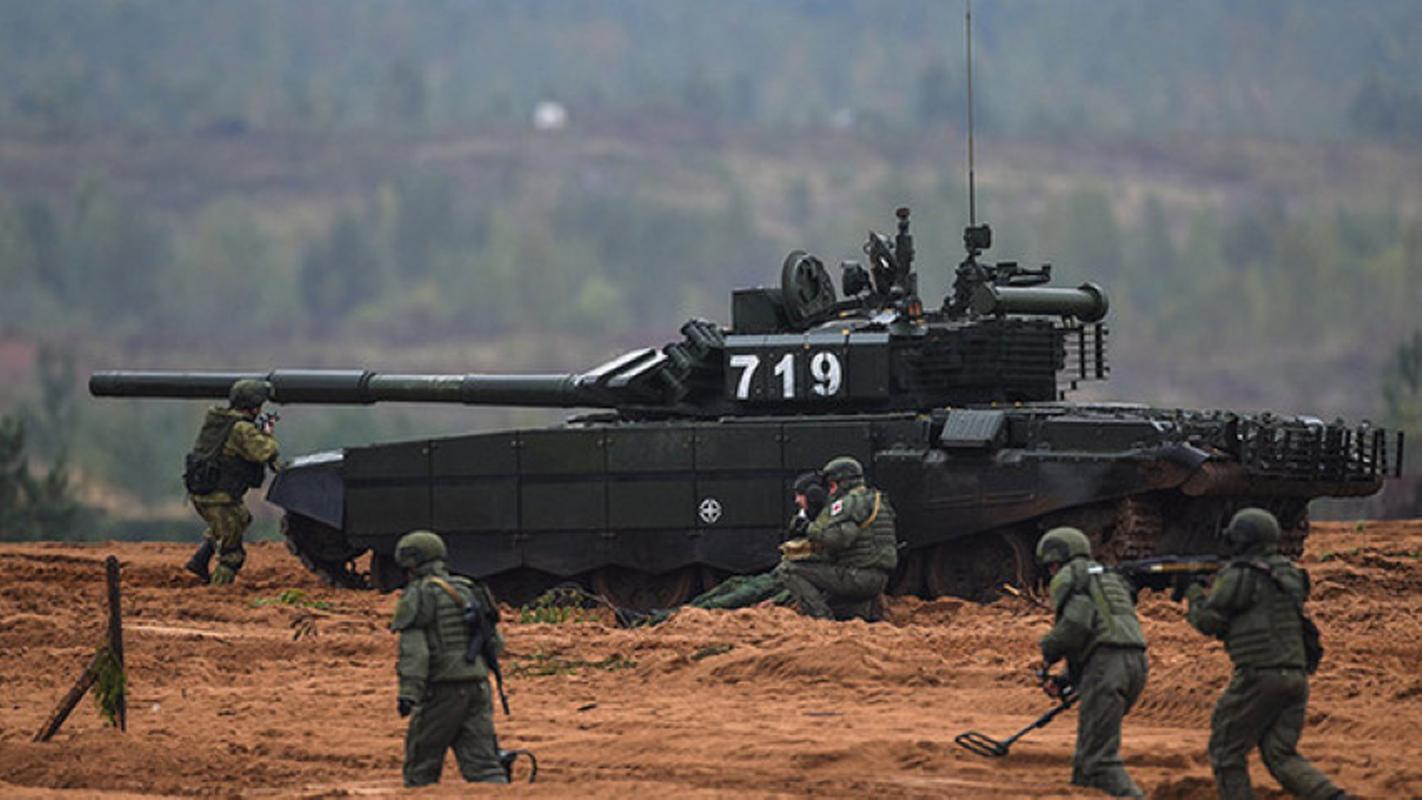 Xe tang chu luc T-72B3: Khong hien dai nhat, nhung thuc dung!-Hinh-8