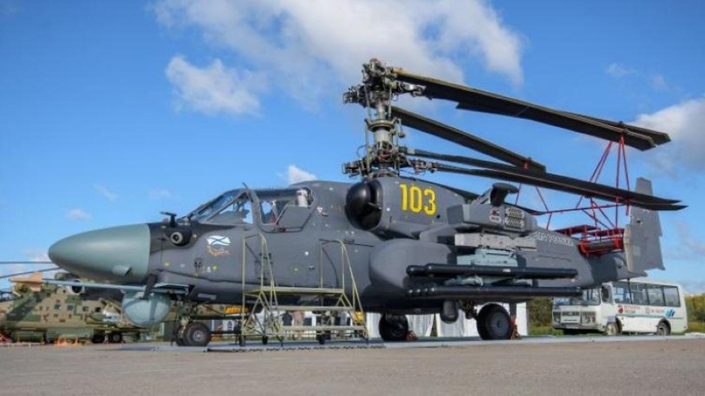 Truc thang Ka-52M gay soc khi co gia cao hon ca tiem kich Su-30SM