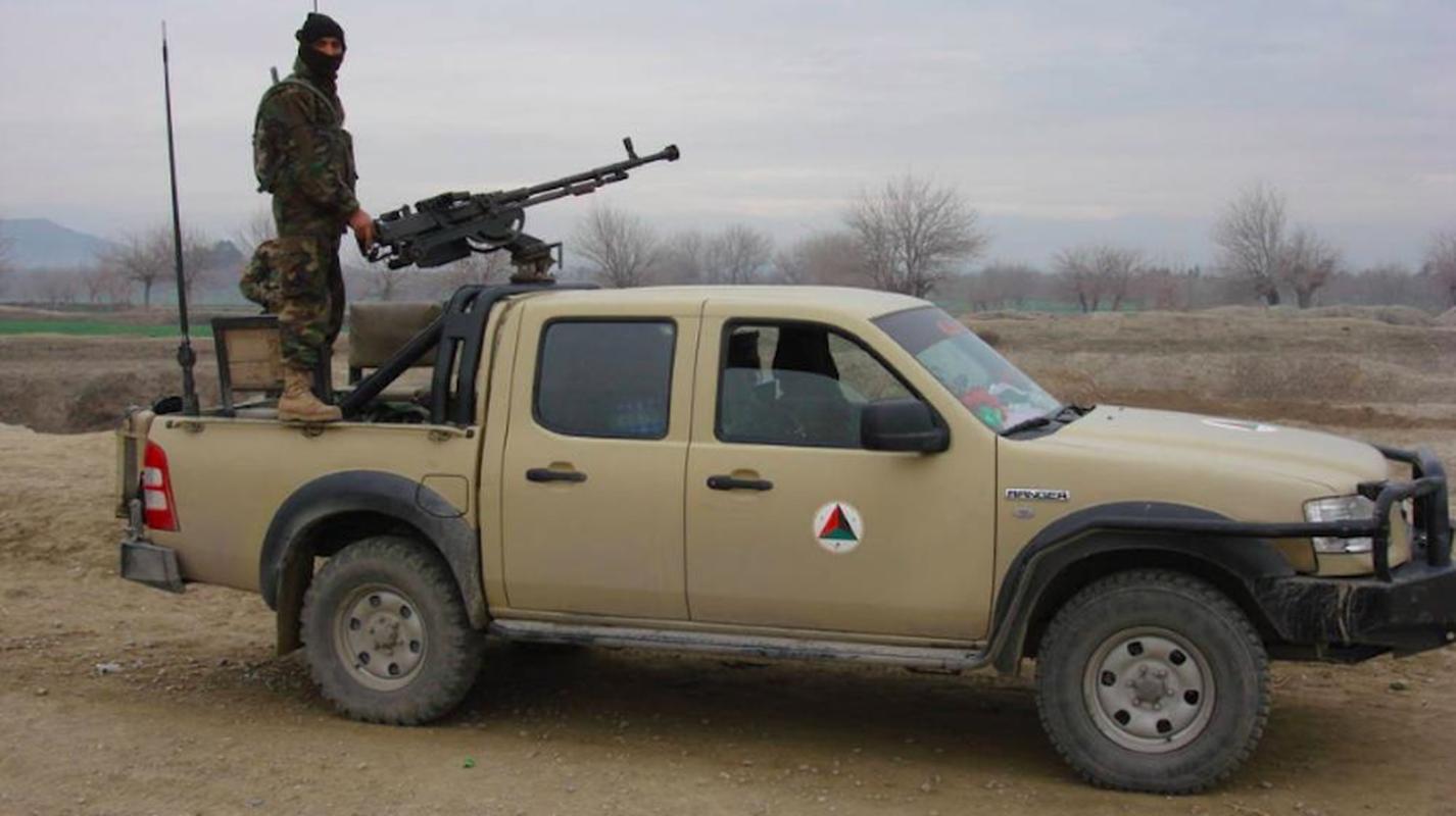 Vu linh My doi thuoc la lay xe ban tai gan sung may Nga de bao ve san bay Kabul-Hinh-23